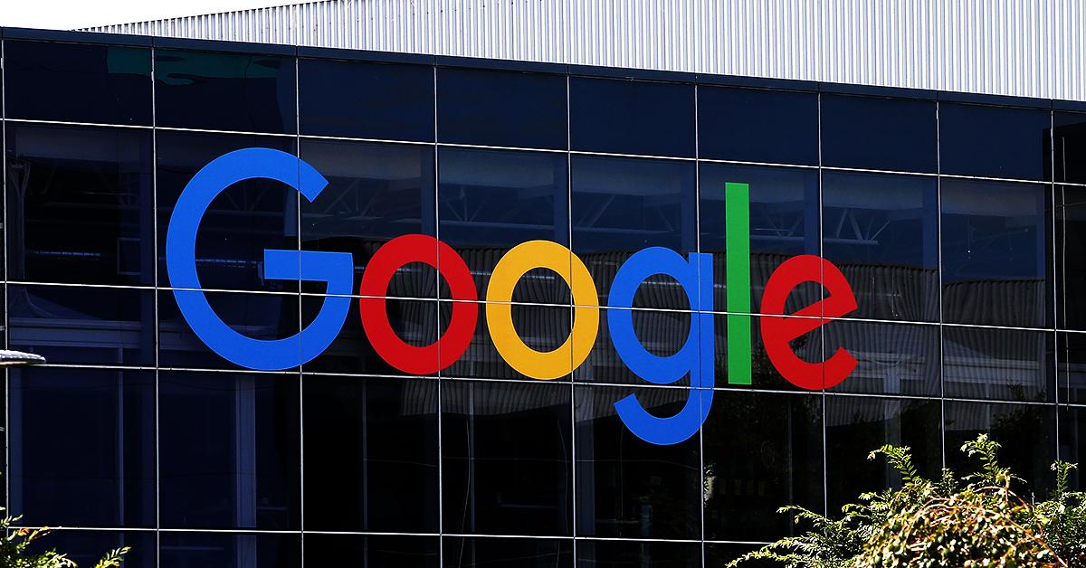 fachada de vidro do prédio do Google