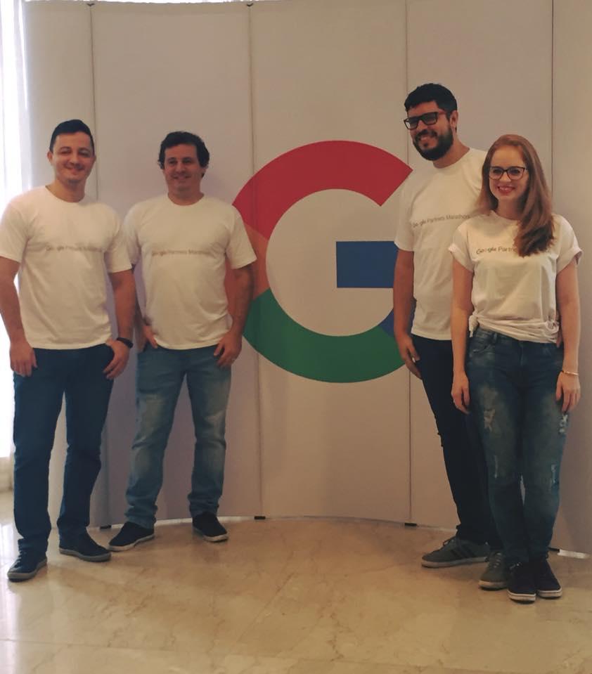 Equipe Goobec reunida, João Dalla, Rodrigo Camara, Daniel Santos e Flavia