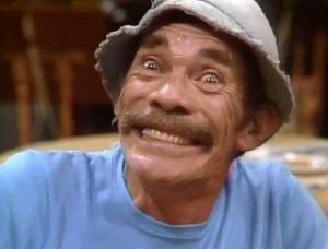 foto do sr. Madruga dando um sorriso sem graça.