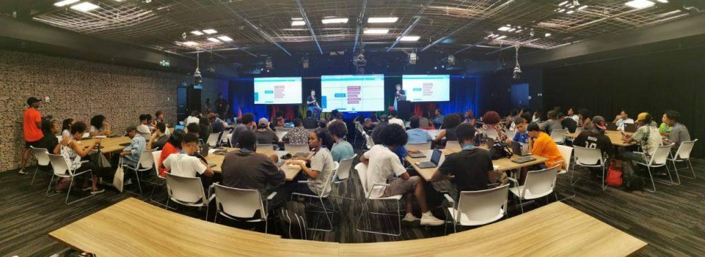 Sala de aula do Google Brasil com mais de 80 participantes para o projeto Black for Ads Academy, realizado em parceria com a BlackRocks.